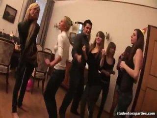 Μείγμα του βίντεο με μαθητής/ρια γαμήσι parties