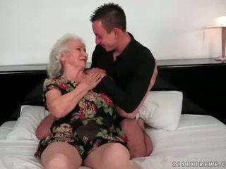 Lusty grannies përmbledhje film