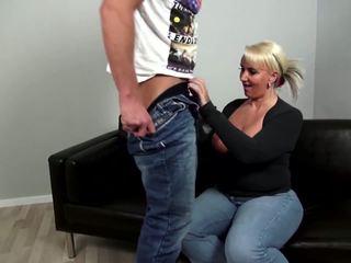 Äldre curvy mor fucks ung inte henne son: fria porr 92