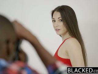 Blacked ティーン alexis rodriguez とともに パーフェクト 尻 loves bbc