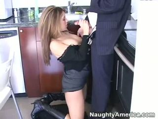Sweet Babe Isabella Soprano Engulfing Massive Thick Hard Meatpole In The Office