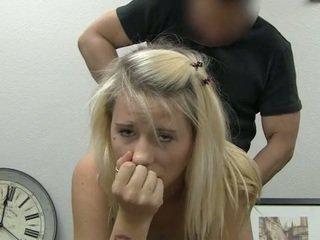 Ania taking facial disparo de corrida
