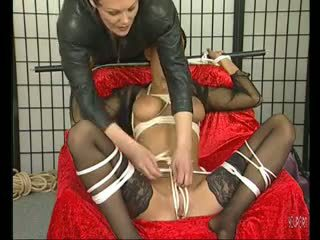 امرأة سمراء جبهة مورو loves being tied فوق - julia reaves