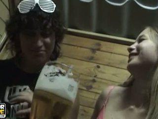 ungdoms par, amatører, kyssing
