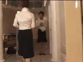 3 blank meisjes in japans massage parlor