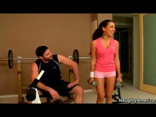Amia miley banged im die fitnesscenter