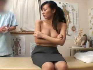 Spycam fashion model climax massaž
