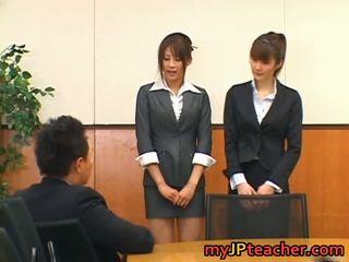 Junna aoki と erika kirihara いたずらな