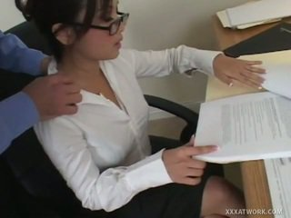 hardcore sex, kouření, kancelář sex
