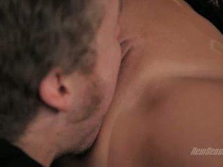 Alexis grace omandama tema tuss võtma üles koos the keel ja fingered