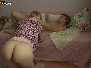 Tineri blonda gagica pounded de ei boyfriend