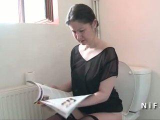 Amateur französisch mutter seduces junge und gets sie arsch nailed