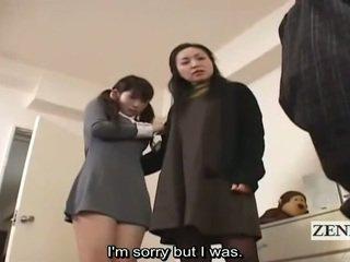 Subtitle riietes naine paljaste meestega jaapani koolitüdruk ja milf saak peeper