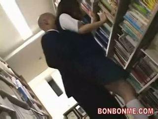 Skolniece fucked līdz bibliotēka saytr un gives liels minēts
