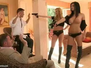 Aletta ocean e tarra bianco rfucking two guys