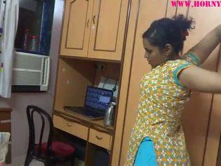 Індійська недосвідчена немовлята lily секс