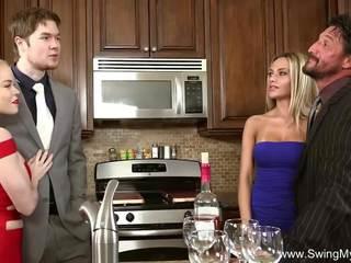 Blondine swinger overspel vrouw, gratis schommel mijn vrouw hd porno 46