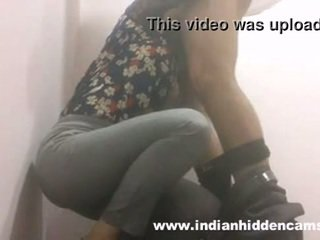 indian babe blowjob in restaurant toil...