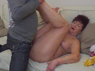 Vecmāmiņa karina fucked līdz dēls uz likums, bezmaksas porno 2c