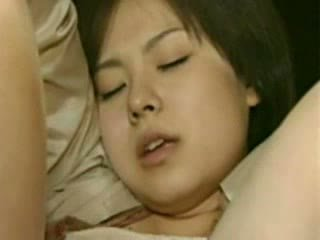 Mama i córka going trough horror - szalone japońskie gówno wideo