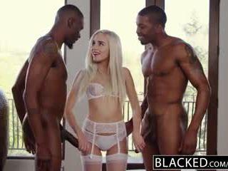 Blacked pirmais starprašu trijatā par blondīne naomi woods