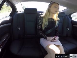 Uber driver busted по cops в той час як трахання підліток sadie.