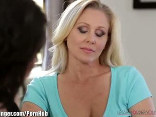 Lesbianolderyounger julia ann scissors paauglys
