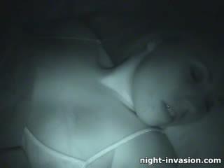 Bigtit pupytė fingered į miegas
