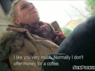 Grand seins euro miel adele fucks pour pognon