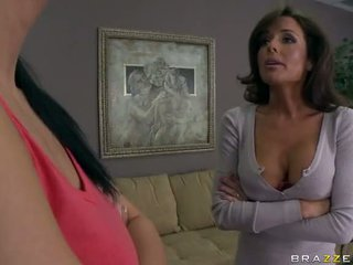 Sexy MILF Veronica Avluv Fucked And Squirts Video