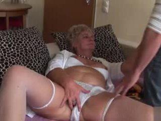 Amatieri anāls vecmāmiņa - ļoti nejaukas!