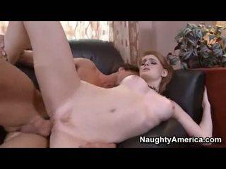 Lusty undressed faye reagan acquires awesomely fucked par viņai sārts twat par the dīvāns