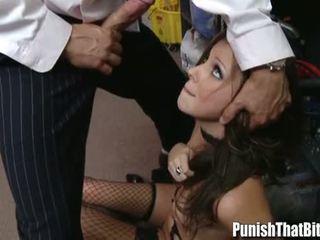 في سن المراهقة gets يعاقب بواسطة لها رئيس