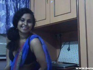 Збуджена lily в blue sari індійська краля секс відео - pornhub.com
