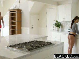 Blacked mergina adriana chechick cheats su a didžiulis juodas varpa
