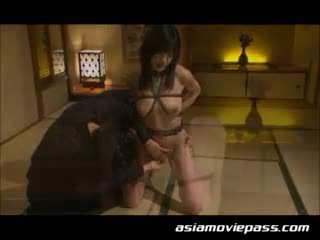 Jepang seks mengikat tubuh budak gadis seks. ami sakurai, emi haruk