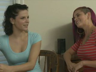Women Seeking Women: Bobbi Star and Rozen Debowe