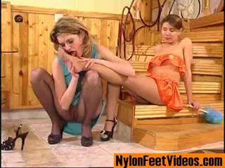 Ninette a alice erotický podkolienky chodidlá scéna