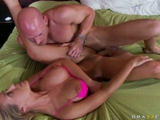 Nicole aniston likes to oustanding