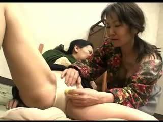 Freaks od narava 119 japonsko grannys hlačke rubbing 1