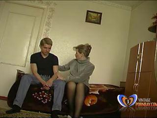Palaistuve pamāte markas viņai 19 years vecs dēls loses viņa.