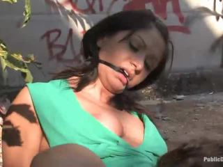 Kancık lea giyinik seks zor içinde bir sarılı yer penetran