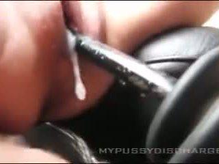 Creamy masturbation coño en coche