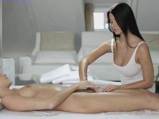 Lesbian seks dengan silvie dan addison