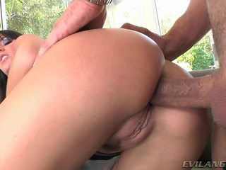Super sexy et chaud milf enjoys getting son humide crack pounded dur