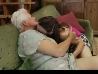 Lesbiete vecmāmiņa: bezmaksas lesbiete porno video c9