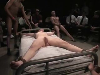 Bondaged babeh gets dilecehke
