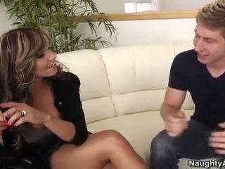 Esperanza gomez takes en unge kuk på den sofa