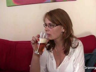 Drunken mamãe gets dela conas fodida