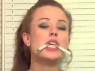 Trisha annabelle a fumar em webcam, grátis porno 12